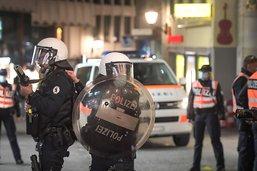 Heurts entre des jeunes et la police à St-Gall - La ville condamne