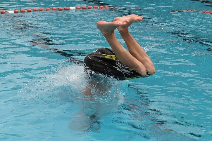 Les élèves du CO de Givisiez iront nager en Ville de Fribourg
