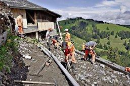 Des apprentis sur la montagne
