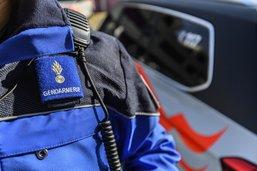 Un adolescent retrouvé inconscient sur la route à Attalens