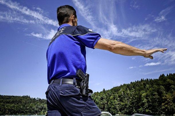 Il faudrait 90 policiers en plus