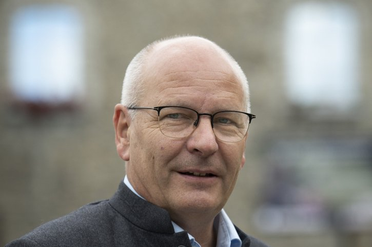 Jean-Pierre Doutaz vise la préfecture