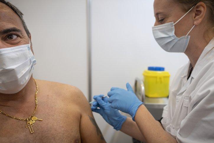 La moitié des Fribourgeois sont totalement vaccinés