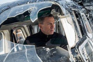 Daniel Craig fait commandant de la Royal Navy... comme 007